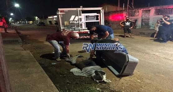 Motociclista em fuga  morre após avançar preferencial e bater de frente com carro