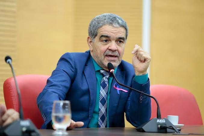 Justiça dá 48h para ALE suspender nomeação de Aélcio da TV como assessor técnico