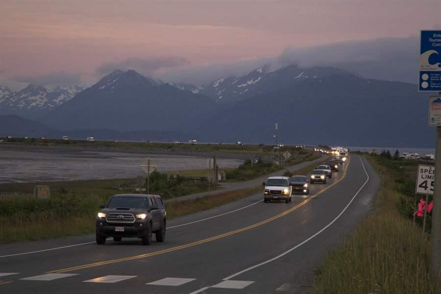 Terremoto de magnitude 8,2 atinge a costa do Alasca e gera alerta de tsunami, diz agência