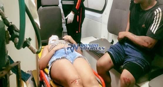 Casal ocupando motocicleta fica lesionado após fazer ultrapassagem perigosa