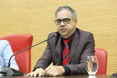 Assembleia é notificada sobre perda de mandato de Geraldo da Rondônia